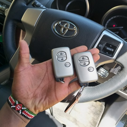Key duplication & replacement service